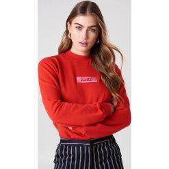 NA-KD Bluza z logo NA-KD - Red. Czerwone bluzy damskie NA-KD, z bawełny. W wyprzedaży za 79.10 zł.