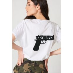 NA-KD T-shirt Bang Bang - White. T-shirty damskie NA-KD, z nadrukiem, z bawełny, z okrągłym kołnierzem. Za 72.95 zł.