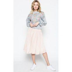 Missguided - Bluza. Szare bluzy damskie Missguided, z bawełny. W wyprzedaży za 119.90 zł.