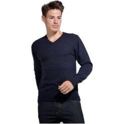 William De Faye Sweter Męski Xxl Ciemnoniebieski. Czarne swetry przez głowę męskie William de Faye, z kaszmiru, dekolt w kształcie v. Za 259.00 zł.