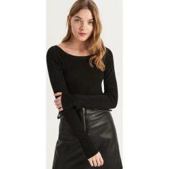 Sweter z dekoltem w kształcie łódki - Czarny. Czarne swetry damskie Sinsay, z dekoltem w łódkę. Za 49.99 zł.
