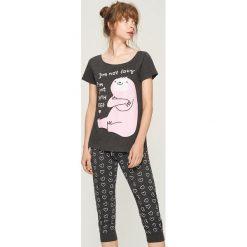 Dwuczęściowa piżama z nadrukiem - Szary. Szare piżamy damskie Sinsay, z nadrukiem. Za 59.99 zł.