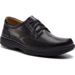 Półbuty CLARKS - Swift Mile 203391677 Black Leather. Czarne półbuty na co dzień męskie Clarks, z materiału. W wyprzedaży za 299.00 zł.