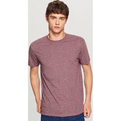 Melanżowy t-shirt - Bordowy. Czerwone t-shirty męskie Reserved. Za 29.99 zł.