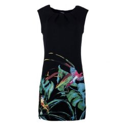 Desigual Sukienka Damska S Czarny. Sukienki damskie Desigual, na lato, w kolorowe wzory, z materiału, z okrągłym kołnierzem. W wyprzedaży za 229.00 zł.