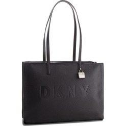 Torebka DKNY - Commuter-Lg Tz Tote R83AA666 Black/Silver BSV. Czarne torebki do ręki damskie DKNY, ze skóry. Za 1,199.00 zł.