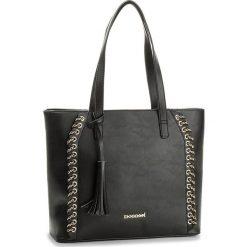 Torebka MONNARI - BAG5190-020 Black. Czarne torebki do ręki damskie Monnari. W wyprzedaży za 129.00 zł.