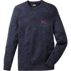 Sweter z przędzy supełkowej Regular Fit bonprix ciemnoniebieski. Swetry przez głowę męskie marki Giacomo Conti. Za 49.99 zł.