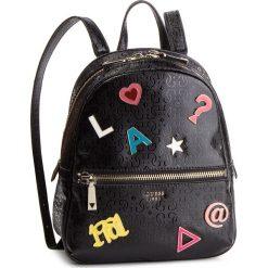 Plecak GUESS - HWSP71 81320 BLA. Czarne plecaki damskie Guess, z aplikacjami, ze skóry ekologicznej, klasyczne. Za 589.00 zł.