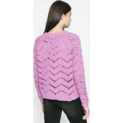 Vero Moda - Sweter Selma. Różowe swetry damskie Vero Moda, z bawełny, z okrągłym kołnierzem. W wyprzedaży za 59.90 zł.