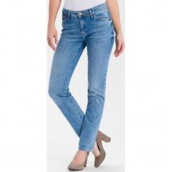 """Dżinsy """"Anya"""" - Slim fit - w kolorze błękitnym. Niebieskie jeansy damskie Cross Jeans. W wyprzedaży za 136.95 zł."""