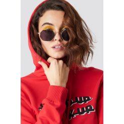 Emilie Briting x NA-KD Okulary przeciwsłoneczne Squared - Black,Gold. Czarne okulary przeciwsłoneczne damskie Emilie Briting x NA-KD. Za 60.95 zł.