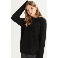 Puszysty sweter - Czarny. Czarne swetry damskie Sinsay. Za 59.99 zł.