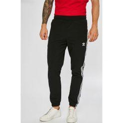 Adidas Originals - Spodnie Warm-up. Spodnie sportowe męskie marki bonprix. Za 329.90 zł.