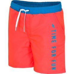 Spodenki plażowe dla dużych chłopców JMAJM209 - koral. Czerwone kąpielówki dla chłopców 4F JUNIOR, z materiału. Za 59.99 zł.