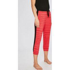 Dkny - Spodnie piżamowe. Szare piżamy damskie DKNY, z dzianiny. W wyprzedaży za 149.90 zł.