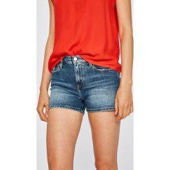 Calvin Klein Jeans - Szorty. Różowe szorty damskie Calvin Klein Jeans, z jeansu, casualowe. W wyprzedaży za 279.90 zł.