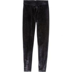 Legginsy aksamitne bonprix czarny. Czarne legginsy damskie bonprix. Za 59.99 zł.