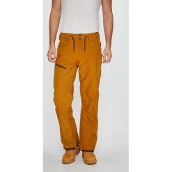Quiksilver - Spodnie Snowboardowe. Spodnie snowboardowe męskie marki WED'ZE. W wyprzedaży za 599.90 zł.