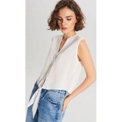 90ab5d1e1cc2c0 Białe bluzki koszulowe damskie - Bluzki damskie - Kolekcja lato 2019 ...