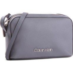 Torebka CALVIN KLEIN - Drive Camera Bag K60K604459 008. Szare listonoszki damskie Calvin Klein, ze skóry ekologicznej. Za 399.00 zł.