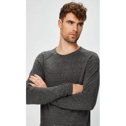 Jack & Jones - Sweter. Czarne swetry przez głowę męskie Jack & Jones, z bawełny, z okrągłym kołnierzem. W wyprzedaży za 99.90 zł.