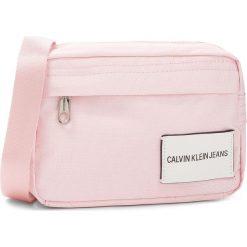 Torebka CALVIN KLEIN JEANS - Sport Essential Came K40K400627 632. Czerwone listonoszki damskie Calvin Klein Jeans, z jeansu. Za 279.00 zł.
