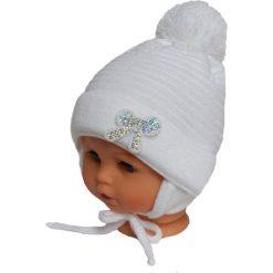 Czapka niemowlęca z szalikiem CZ+S 009A biała. Czapki dla dzieci marki Reserved. Za 36.70 zł.