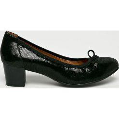 Caprice - Czółenka. Czarne czółenka damskie Caprice, z gumy. W wyprzedaży za 219.90 zł.