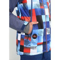 Quiksilver SIERRA  Kurtka snowboardowa blue/red/icey. Kurtki sportowe męskie Quiksilver, z materiału. W wyprzedaży za 755.10 zł.