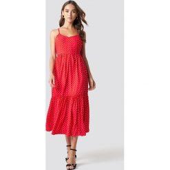 Trendyol Sukienka midi na ramiączkach - Red. Czerwone sukienki damskie Trendyol, na ramiączkach. Za 100.95 zł.