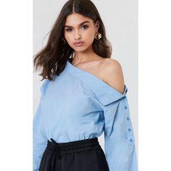NA-KD Koszula na jedno ramie - Blue. Niebieskie koszule damskie NA-KD. W wyprzedaży za 36.57 zł.