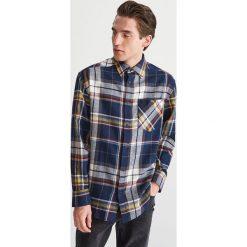 Bawełniana koszula w kratę - Wielobarwn. Szare koszule męskie Reserved, z bawełny. Za 119.99 zł.