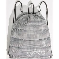 Plecak worek w kratkę - Jasny szar. Szare plecaki damskie Sinsay, w kratkę. Za 39.99 zł.