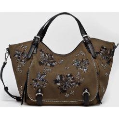 Desigual - Torebka. Brązowe torebki do ręki damskie Desigual, z materiału. Za 399.90 zł.
