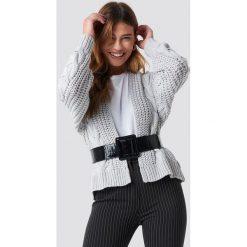NA-KD Sweter z grubym splotem - Grey. Szare swetry damskie NA-KD, ze splotem. Za 242.95 zł.