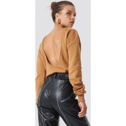 NA-KD Basic Sweter z głębokim dekoltem z tyłu - Beige. Brązowe swetry damskie NA-KD Basic. Za 80.95 zł.