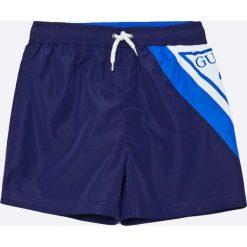 Guess Jeans - Kąpielówki dziecięce 118-176 cm. Kąpielówki dla chłopców Guess Jeans, z jeansu. W wyprzedaży za 129.90 zł.
