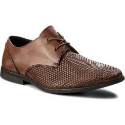 Półbuty CLARKS - Bampton Weave 261321847  Tan Leather. Brązowe eleganckie półbuty Clarks, z materiału. W wyprzedaży za 199.00 zł.