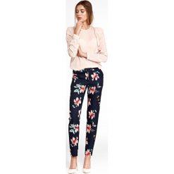 Klasyczne spodnie w kwiaty sd33. Niebieskie spodnie materiałowe damskie Nife, w kwiaty, z materiału. Za 139.00 zł.