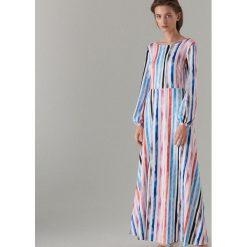 344cd72c88cebb Maxi sukienka w paski - Biały. Białe sukienki damskie Mohito, s, bez wzorów