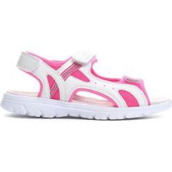 Białe Sandałki Sweet Connection. Białe sandały dziewczęce Born2be, z materiału. Za 39.99 zł.