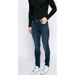 Pepe Jeans - Jeansy. Niebieskie jeansy męskie Pepe Jeans. W wyprzedaży za 299.90 zł.