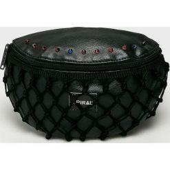 Spiral - Nerka Gotham Lace. Czarne walizki damskie Spiral, w paski, z materiału. W wyprzedaży za 99.90 zł.