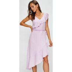 Answear - Sukienka Garden of Dreams. Szare sukienki damskie ANSWEAR, z poliesteru, casualowe. W wyprzedaży za 149.90 zł.