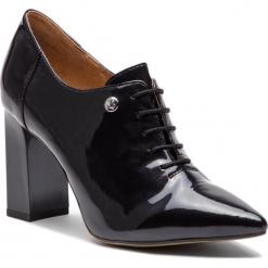 Półbuty CAPRICE - 9-23301-21 Black Patent 018. Czarne półbuty damskie Caprice, z lakierowanej skóry, eleganckie. W wyprzedaży za 189.00 zł.