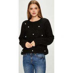 Vero Moda - Sweter. Czarne swetry damskie Vero Moda, z dzianiny, z okrągłym kołnierzem. Za 169.90 zł.