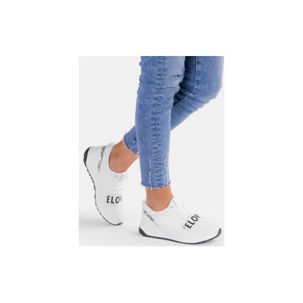 fb384f09c4b4e Białe buty sportowe Elove - Obuwie sportowe damskie marki DeeZee. Za ...