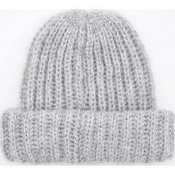 Czapka - Jasny szar. Szare czapki i kapelusze damskie Reserved. Za 49.99 zł.