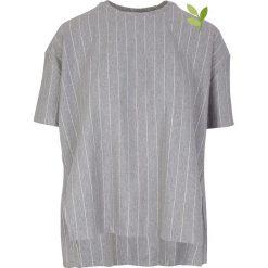 """Koszulka """"Aixa"""" w kolorze szarym. T-shirty damskie Frieda Sand, w paski, z bawełny, z okrągłym kołnierzem, z krótkim rękawem. W wyprzedaży za 108.95 zł."""